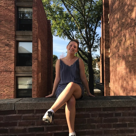 Lindsey Castin was a Thrift Shopper before discovering sample sales